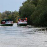 Cu barca pe canalele din Delta Dunarii Foto: Nicky Predescu / Calator sau turist